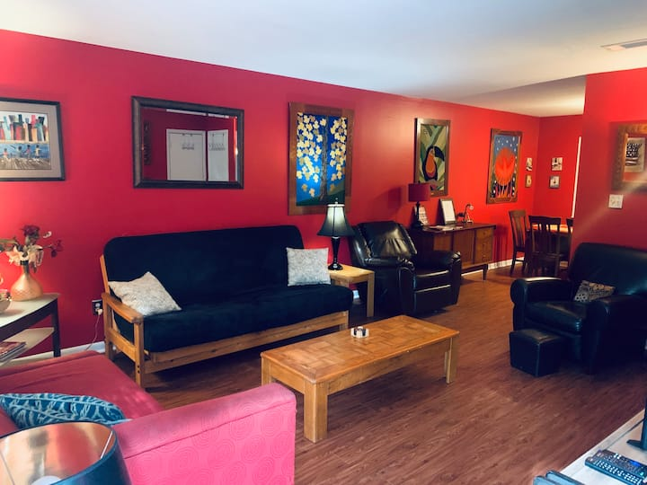 Charming Home Away from Home - Downtown Athens