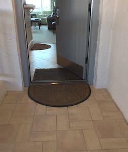 Take iki įėjimo nėra laiptelių
