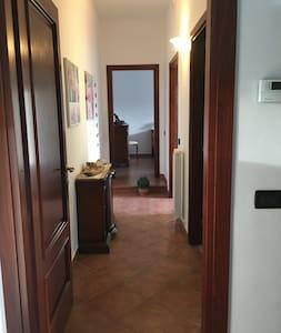 Corridoio per accedere a camere e bagno