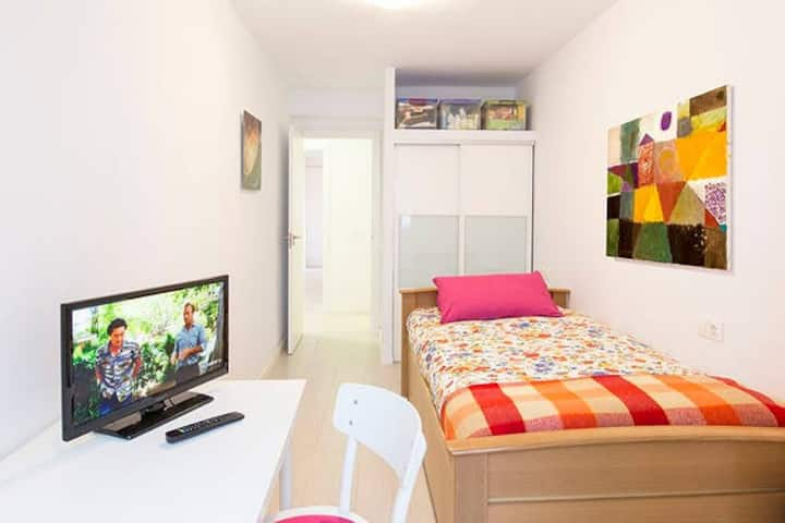 Near Historic Center,PRIVATE BATHROOM and Balcony