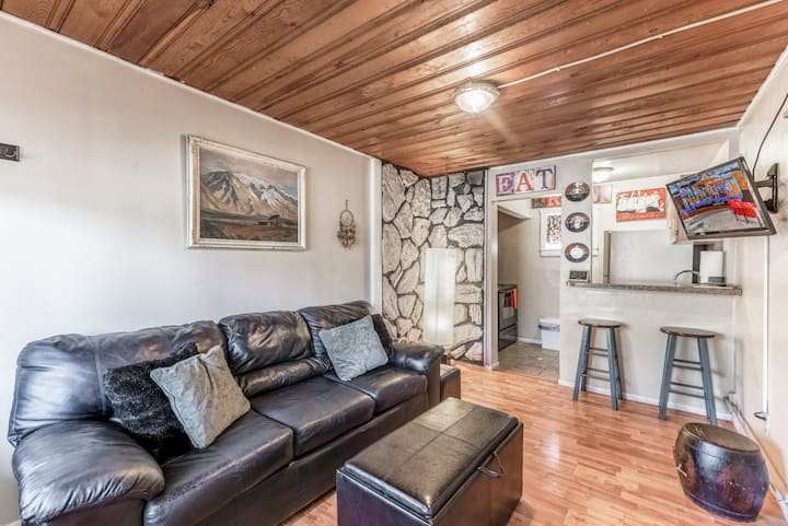 Walk to EVERYTHING! -  MidTown, Opt HOT TUB on RVR