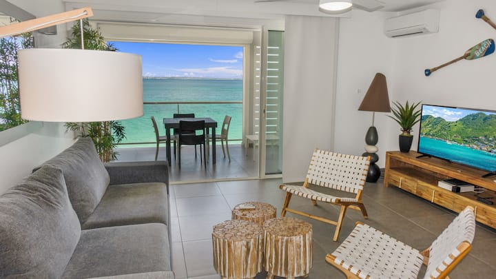 One-Bedroom Apartment first floor on the beach