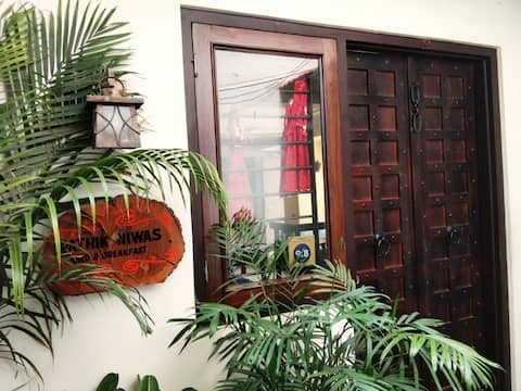 Homestay - Turquoise Room with Free Yoga Classes