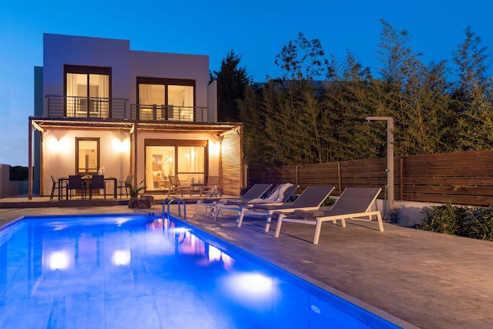 Luxury NissoVilla with Private Pool & Sea Views