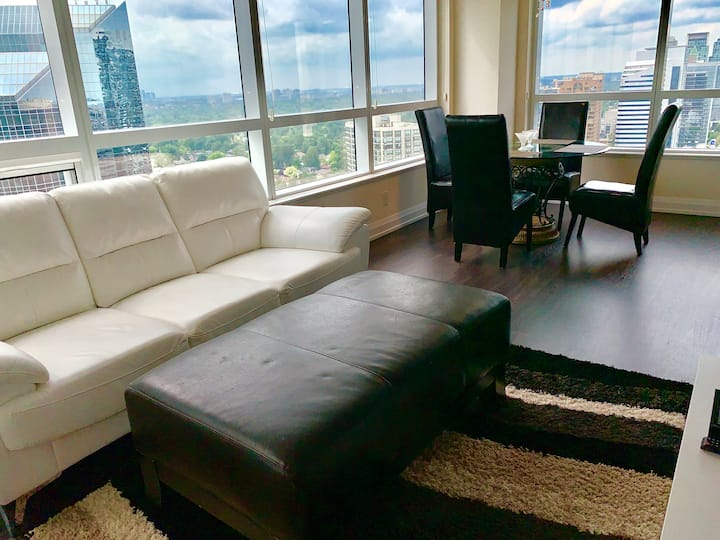 ✰Lovely View ✰Luxury 2 BDR Unit✰ Parking+ Subway