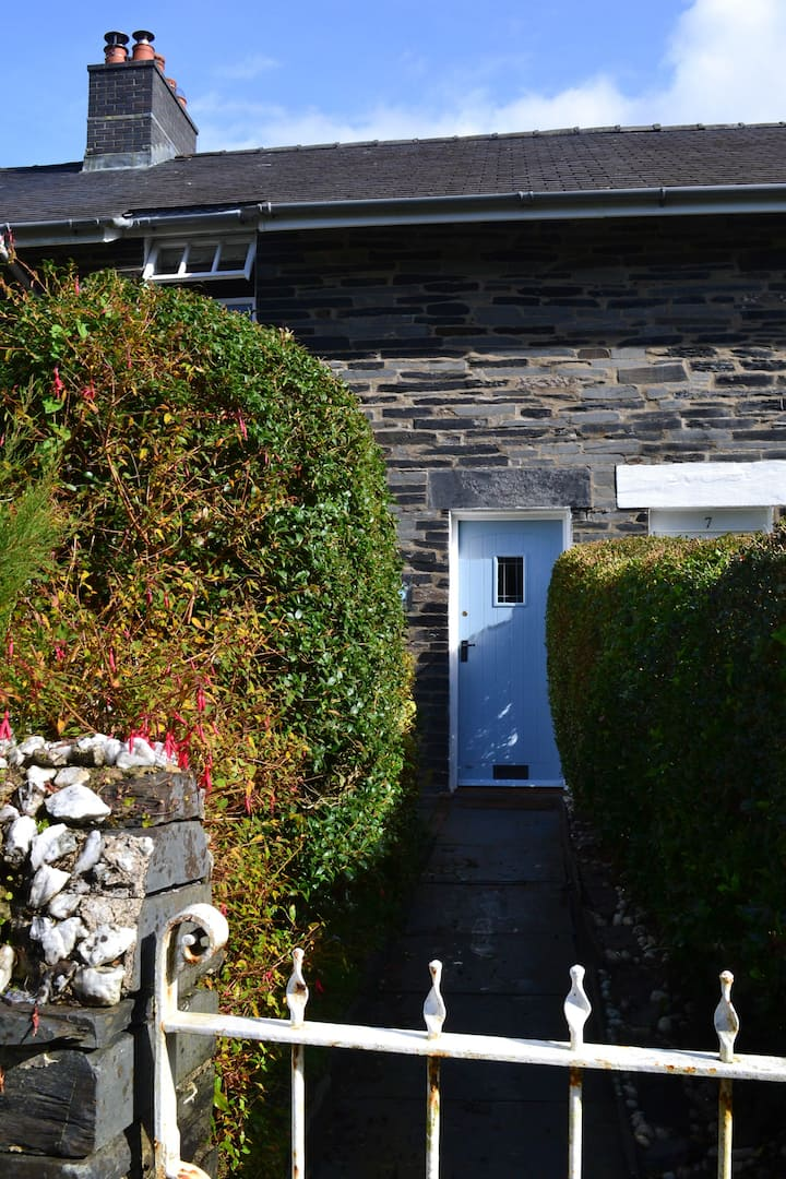 Traditional Welsh creative cottage in Snowdonia