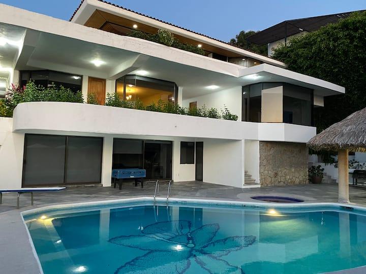 Casa Burgos in Las Brisas Acapulco
