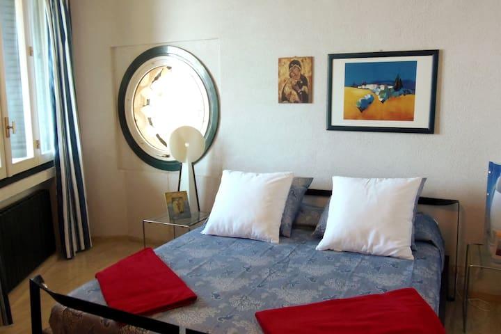 SECOND MASTER BEDROOM Double bedroom 2