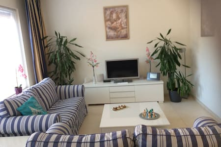Family house with private parking in Almere Haven