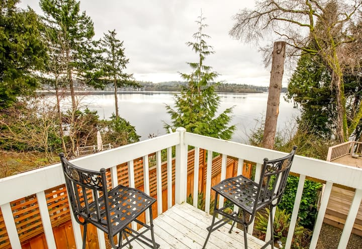 Quiet Guest House w/ Balcony & Lake Views/Access!