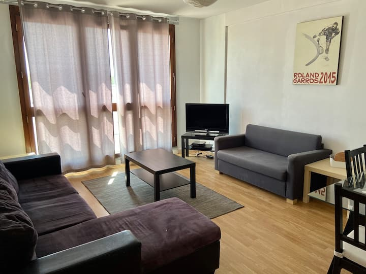 Cergy Prefecture - Nice large apartment (4 rooms)