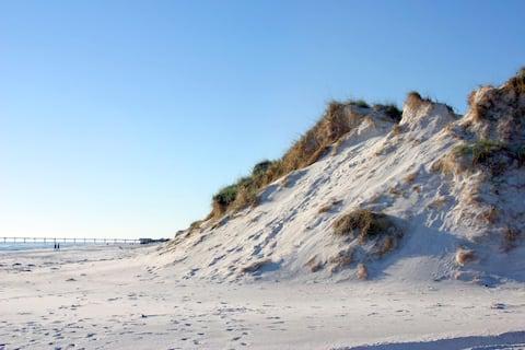 Czysty, bezpieczny i cichy pokój minuty od plaż