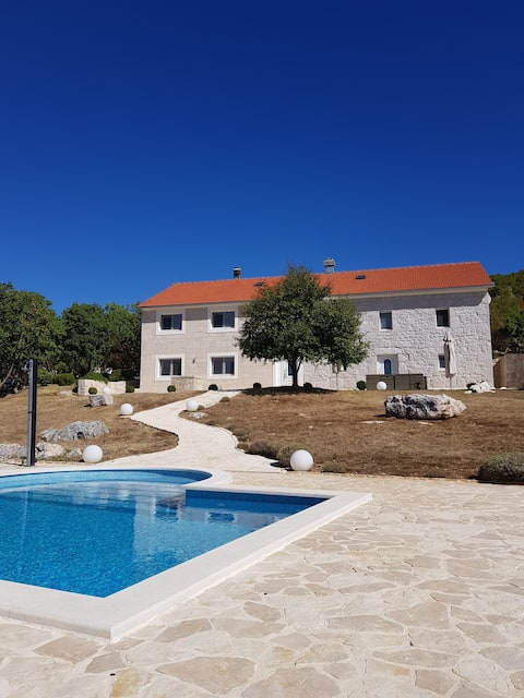 Villa Luka - Our Paradise in the Countryside