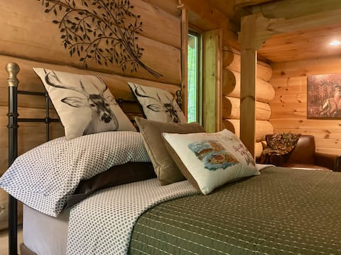Room w/ Private Bath in Rustic Country Log Chalet