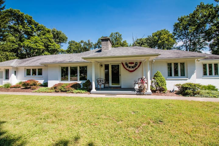Sparkling Clean, Classic Home, Great for Families