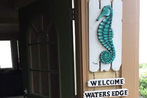 Waters Edge Beachfront at it's best!