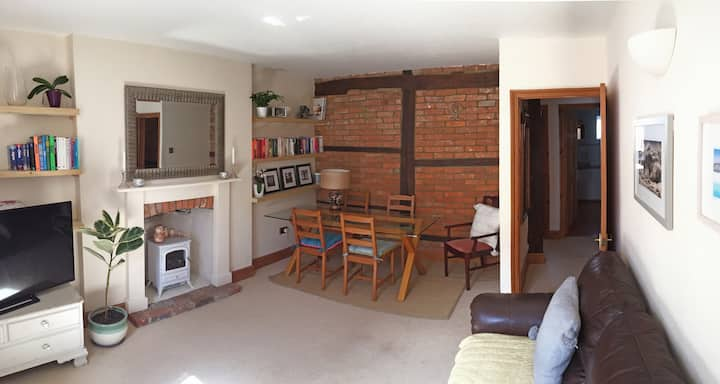 Central Frome 3 Bedroom Catherine Street Apartment