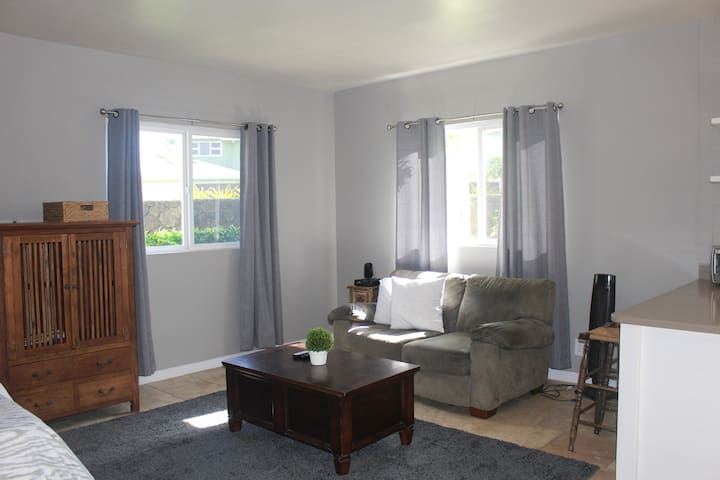 Studio Apt close to Hukilau Beach, AC, monthly