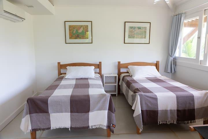 Suite 5 com varanda- Piso superior