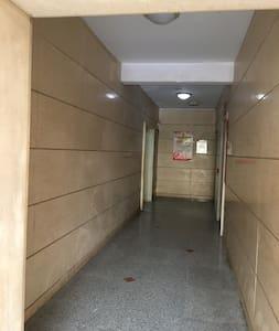 这是通往电梯的通道
