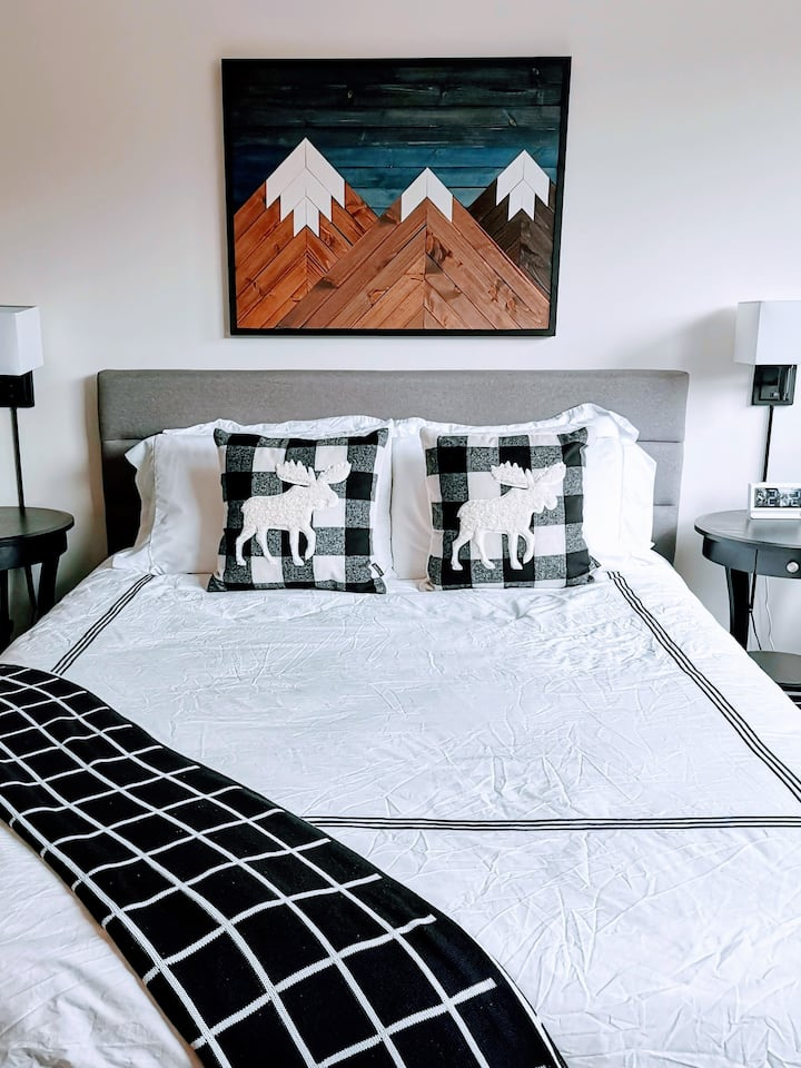 Alpenglow Studio Suite in the heart of Whistler
