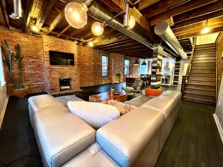 Industrial modern 3 bedroom Shadyside home