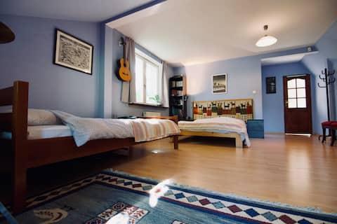 Großes Dream En Suite-Schlafzimmer in der Nähe von Warschau