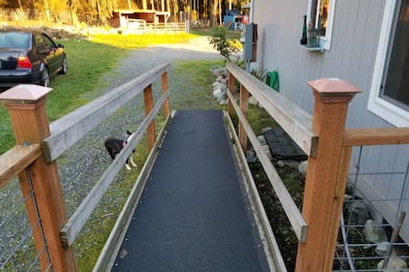 Step-free path to entrance