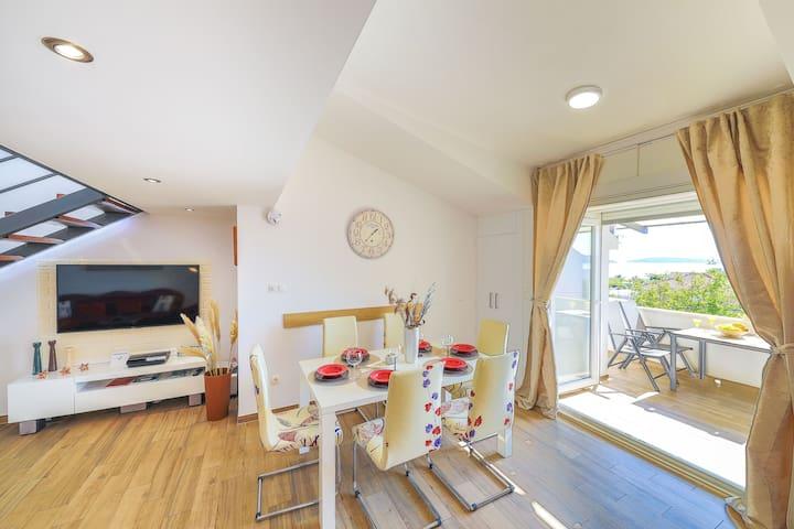 Luxury Apartment Perla Castellana with sea view
