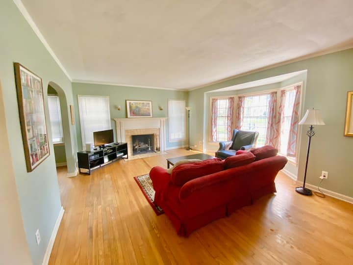 BIG HOME, 5 Min to Cleve Clinic, Negotiable Rates