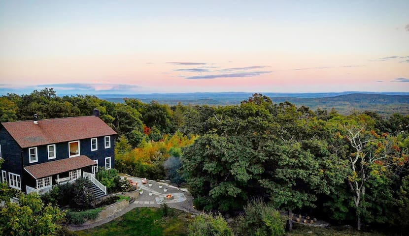 Modern Woodstock Farmhouse