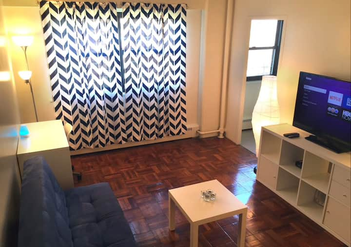 Complete, Cozy, Chic Apartment Near NYC