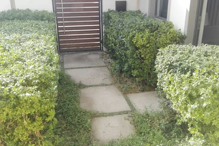 flat entrance no stairs