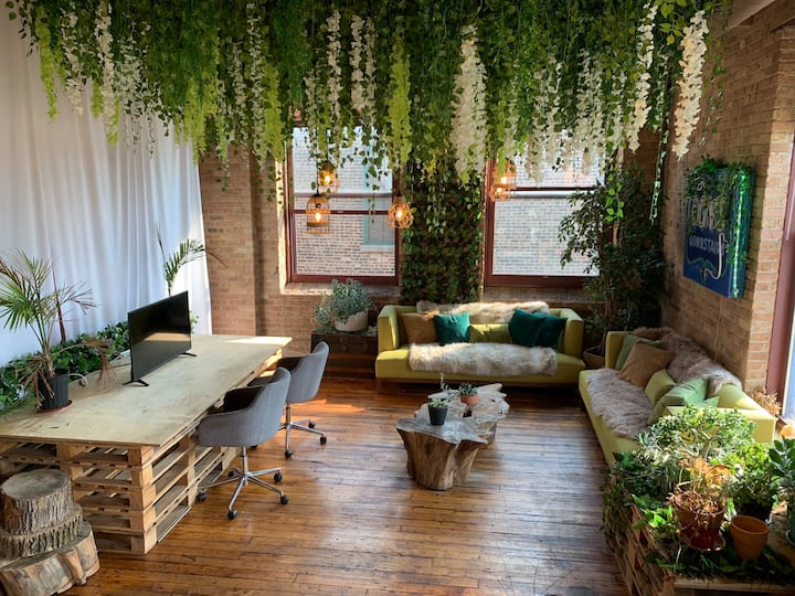 Private Room in Huge Artist Loft