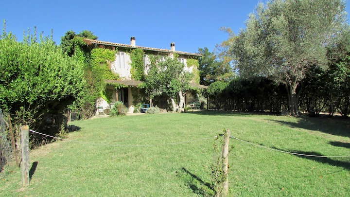 FARM HOLIDAYS VILLAGE - pool & charming apartments