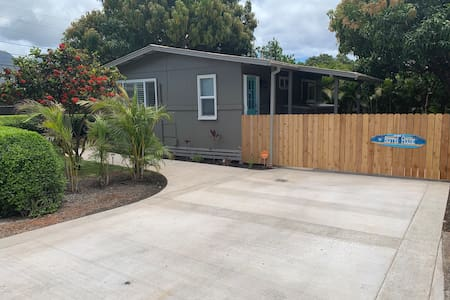 Large driveway w 4 foot entry way
