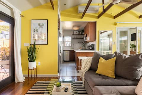 One Bedroom Mid-Century Mod Guesthouse