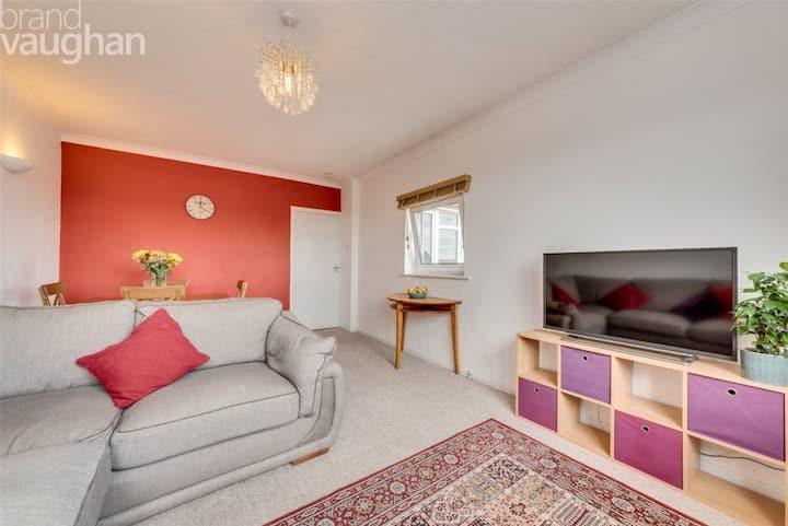 Large 2 dbl bedroom flat, views over Preston Park