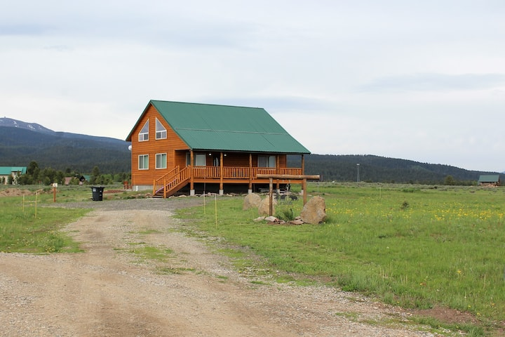 Family cabin near Yellowstone, WiFi (free)