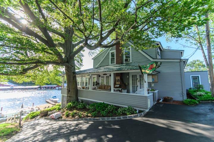 Classic Waterfront Winnipesaukee Lake House