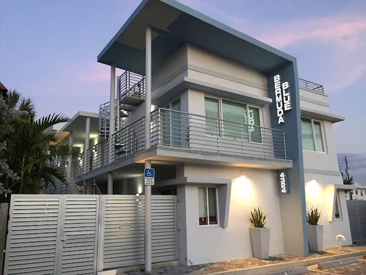 #2 Bermuda Blue Beach Club ( 1/1 )