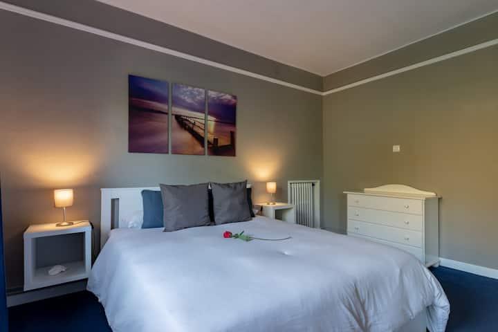 Beachfront double bedroom /  Confort & Relax