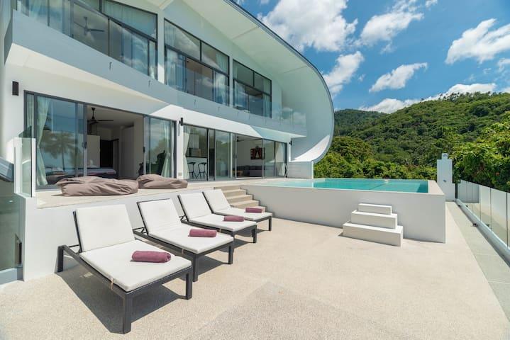 Amazing sea view pool villa
