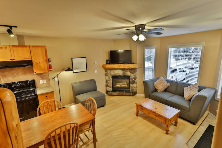 Recently Updated 3 level Riverside Condo