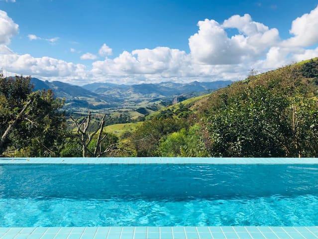 Casa na montanha com vista espetacular
