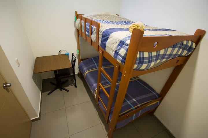 LIMA HOUSE HOSTEL: Habitación Privada Con Camarote