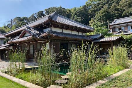 Beautiful farmhouse with gym, sauna and pool