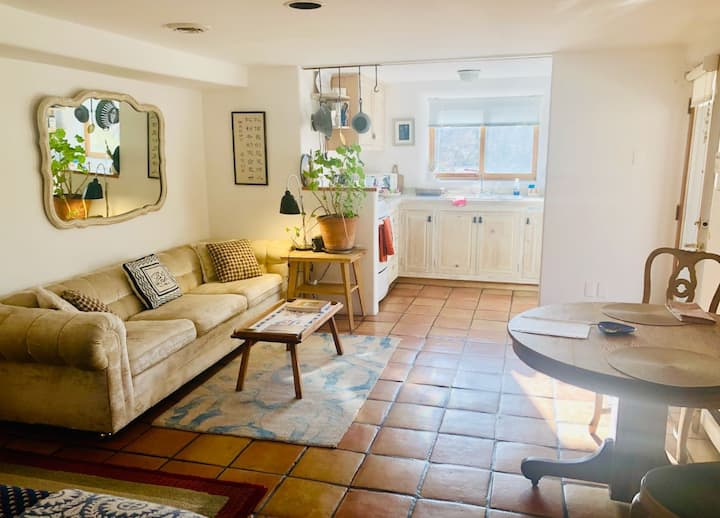 Charming space, right in the heart of Santa Fe!