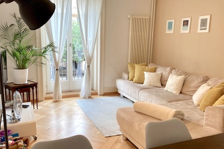 Central, Bright & Stylish 3.5 rooms flat