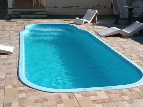 Passa Quatro- Ampla casa com piscina sauna lareira
